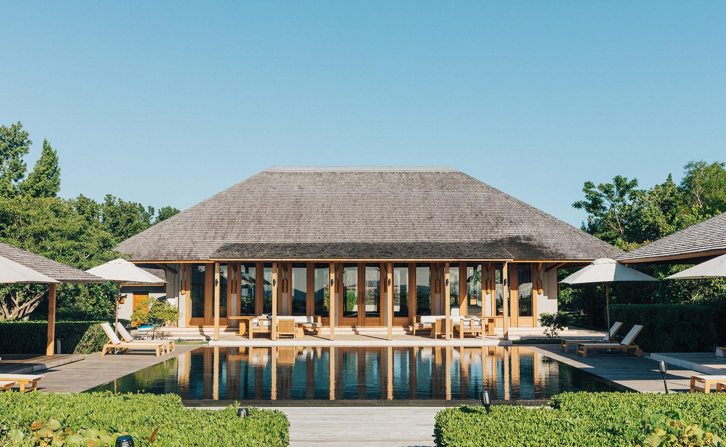 Living Pavilion & Swimming Pool, Four-Bedroom Beach Sala Villa - Amanyara, Turks & Caicos