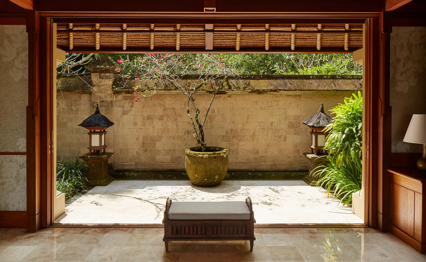 Courtyard, Valley Suite - Amandari, Bali