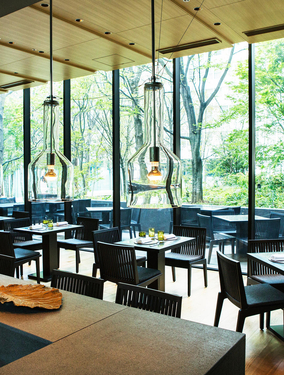 Aman Tokyo, Japan - The Café by Aman, Interior, table settings